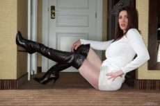 Miss Hybrid beautiful in sexy leather thigh boots and ripped gusset easy access pantyhose.